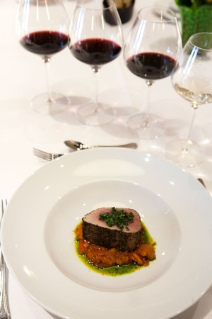 Pairing-Seared-Tuna-with-Cabernet-Sauvignon